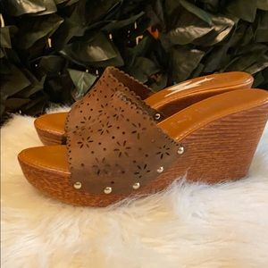 Italian Shoemakers Brown Suede Wedge Sandals 9.5